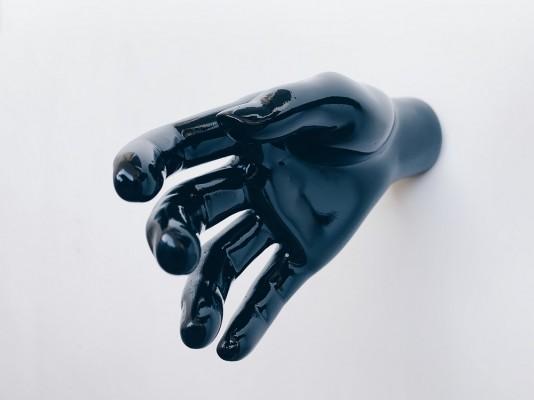 HIDE Black Mirror Пара рук-вешалок